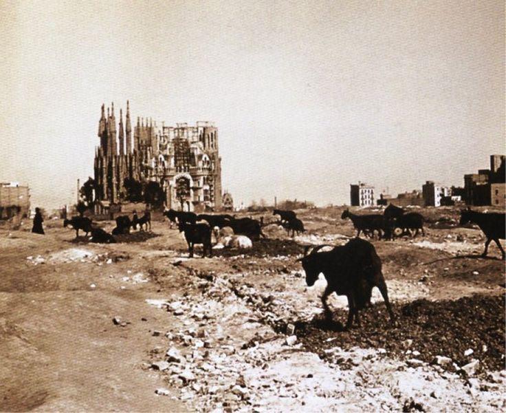 Segrada_Familia_1920
